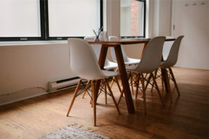 Read more about the article Simple Dining Table Set